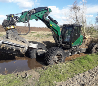 R755H Big Foot - Forester