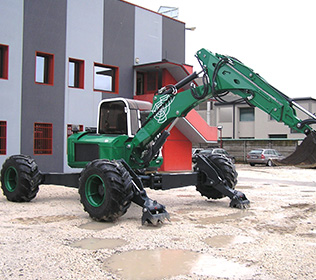 R125 Big Foot Forester - 4 gelenkten Rädern