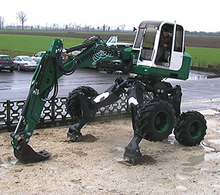 R125 Big Foot Forester - Paws with hydraulic command