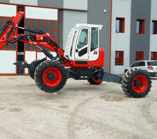 R653 Big Foot Forester - 4 ruote motrici