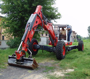 R853 Big Foot Forester - Numerosi accessori installabili