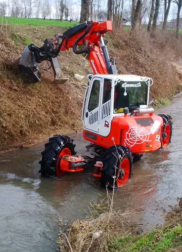 Ditch cleaning spider excavator